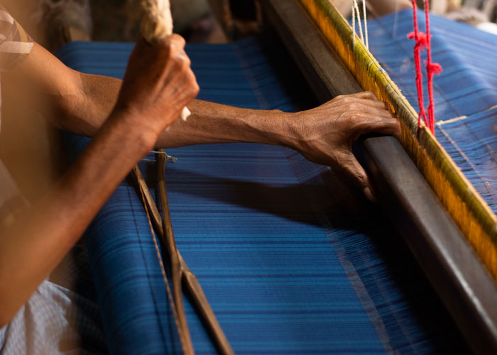 Hand weaving techniques