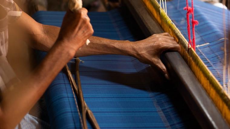 bengal weavers weaving fabrics